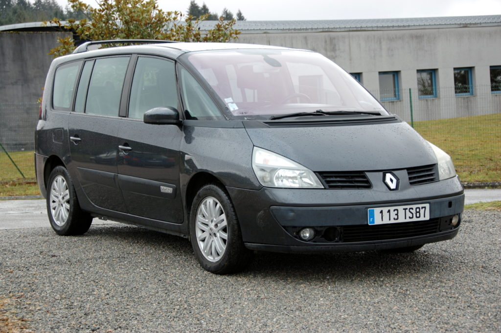 RENAULT Grand Espace IV 2.2 dCi 150cv Boîte auto / 4490€