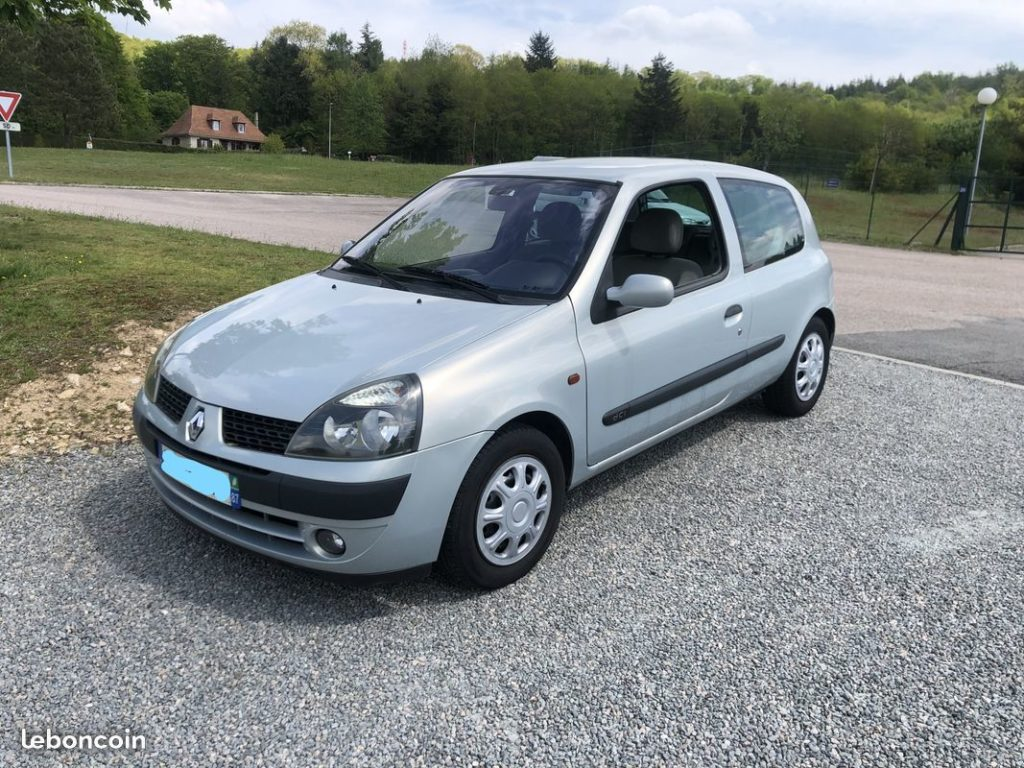 Renault Clio 2 1.5L DCi 75CH / 2490€