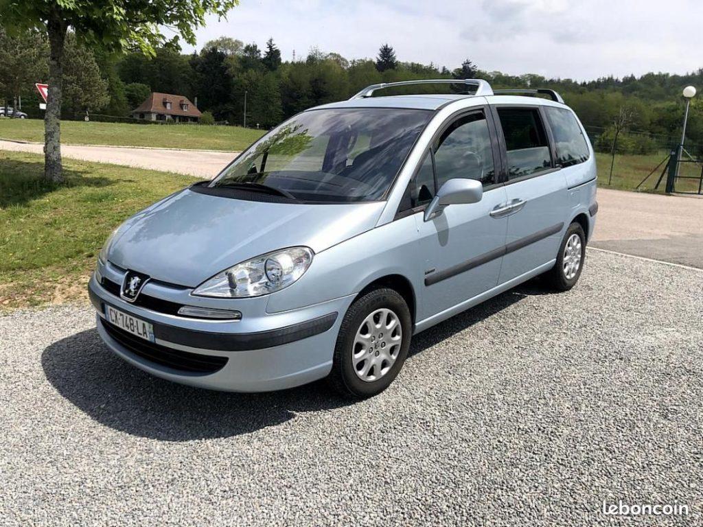 Peugeot 807 2.2 HDi 128cv / 3990€