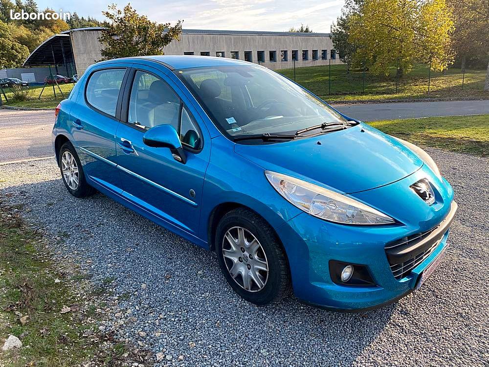 Peugeot 207 1.4 HDi / 5490€