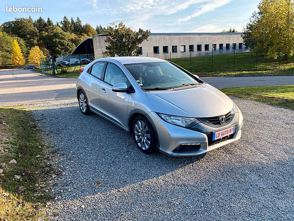 Honda Civic IX 2.2 i-DTEC 150cv / 9490€