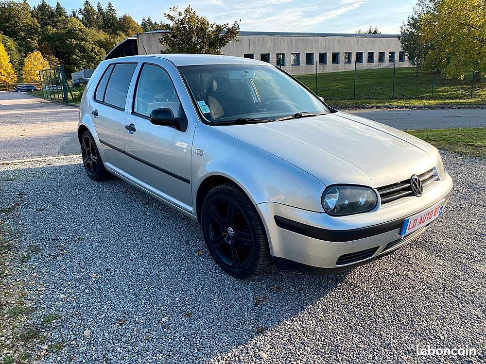 Volkswagen Golf IV 1.6 16V 105cv / 2490€