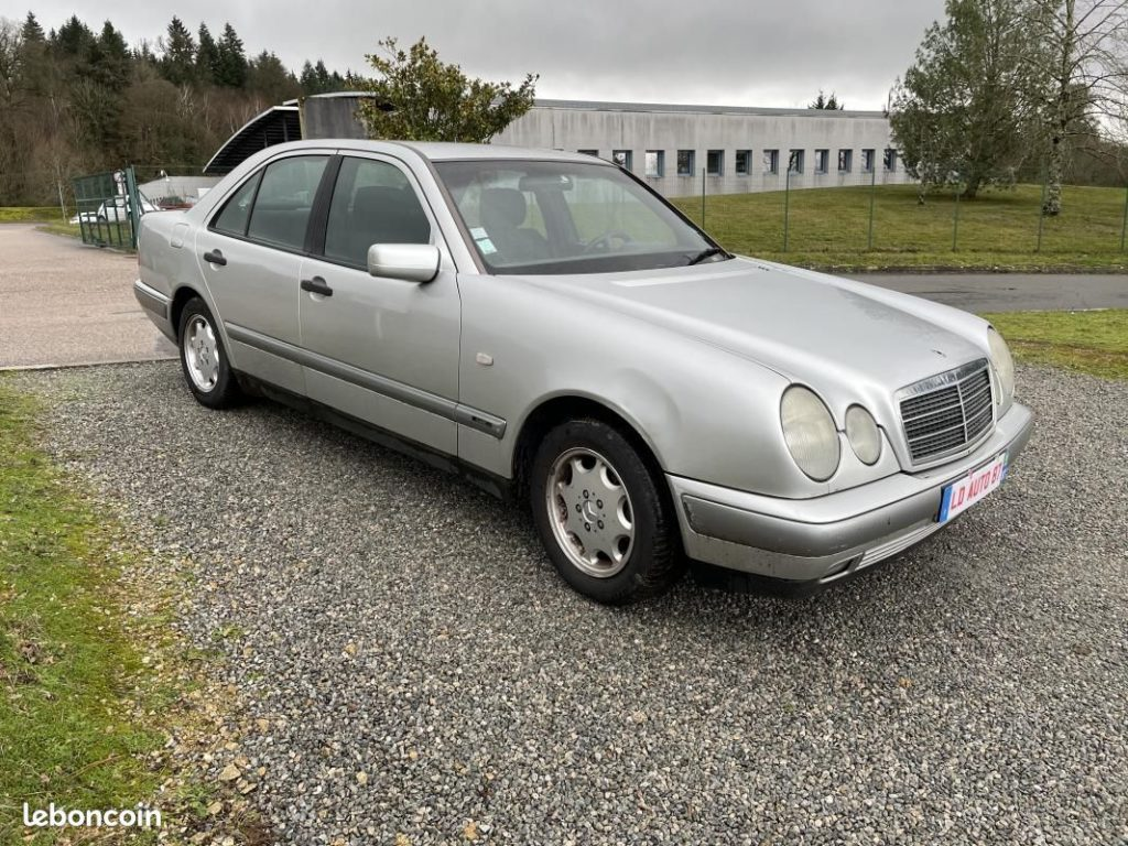 Mercedes Classe E 200 1998cm3 136cv / 2490 €