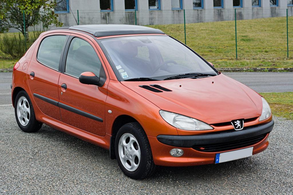 Peugeot 206 2.0L HDI XT 90CH 5 portes / 3490€