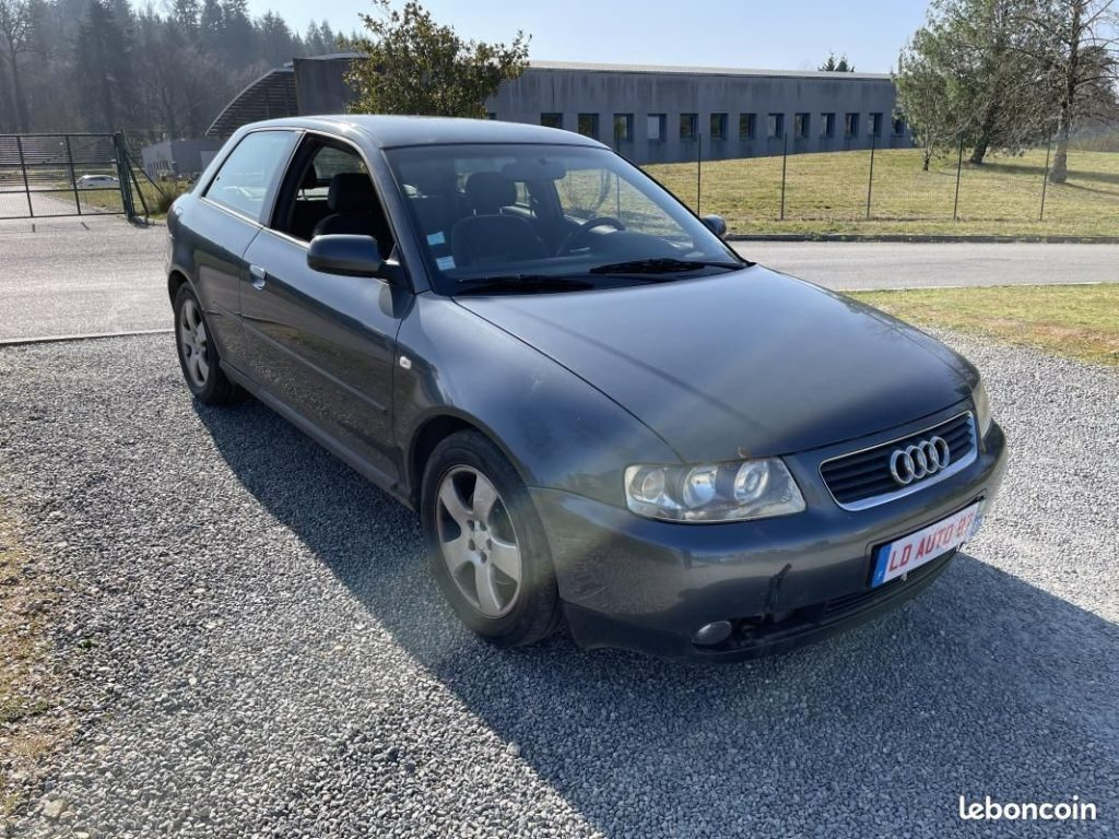 Audi A3 1.9 TDI AMBIENTE 130 / 2 990 €
