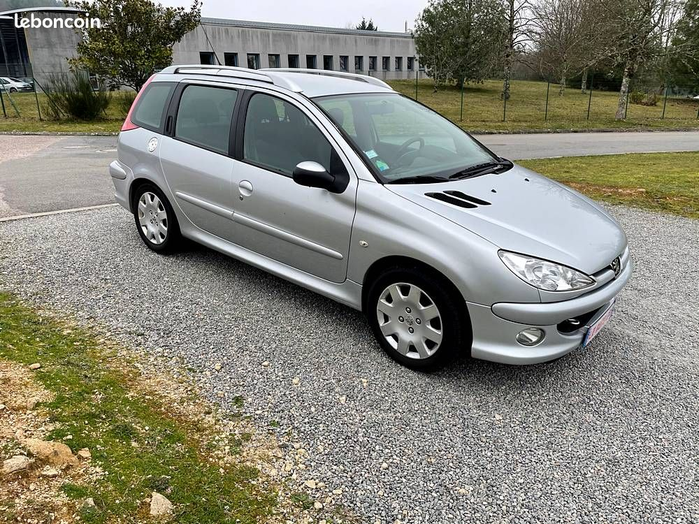 Peugeot 206 SW 1.6 HDi 110 / 3 990 €